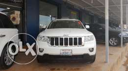 Grand cherokee clean carfax 2011 full option