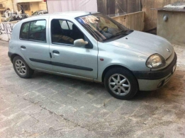 Renault Clio model 2001 for sale