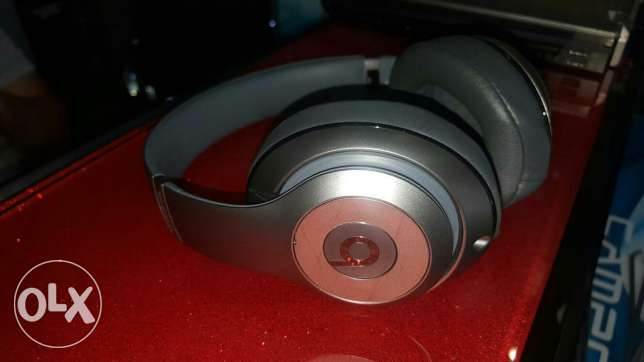 ORIGINAL Beats Studio WirelessHeadphone TITANIUM راس  بيروت -  2
