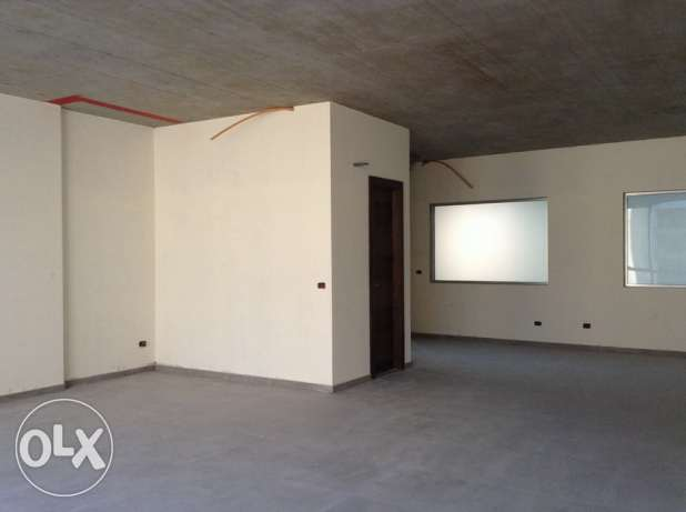 office for RENT - sin el fil 1,340 SQM