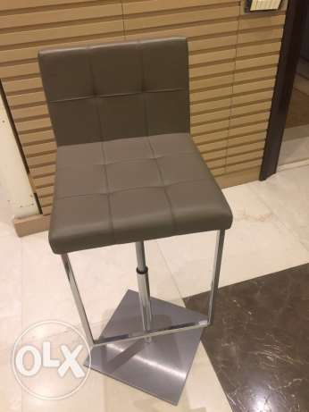 3 leather bar chairs انطلياس -  2