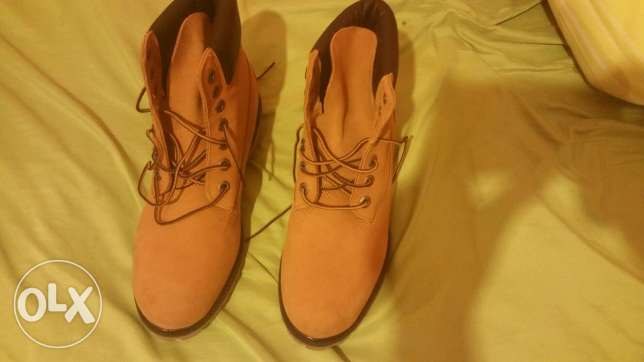 Timberland size 8.5 original got as a gift but didn't fit, never worn