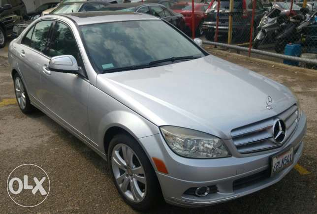 C300/2008 silver on grey full opt large screen very clean/clean carfax