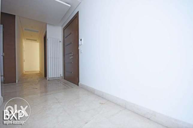 278 SQM Apartment for Rent in Beirut, Verdun AP5492