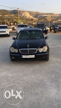 mercedes c320 mod 2002 aswad jeled remdeh full options