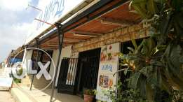 Fish shop for rent with terrasse