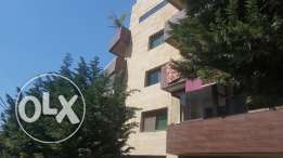 For sale an apartment in Mansourieh near Charcutier Aoun