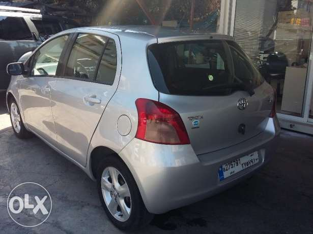 toyota yaris 2007 silver, full option, بوشرية -  3