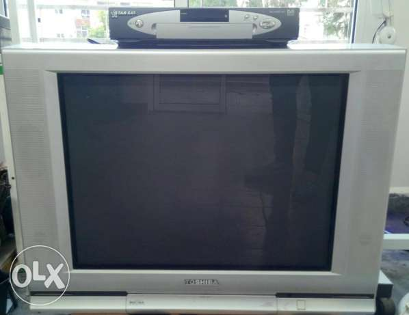 Silver Toshiba TV and DVD player