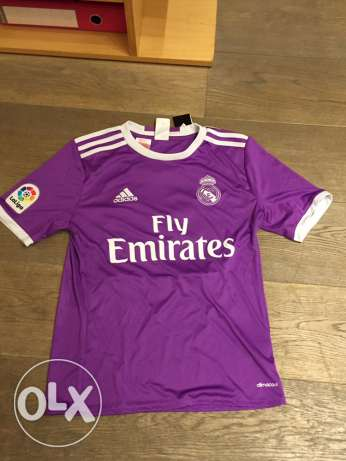 Real Madrid Full Home and Away Kits راس  بيروت -  2