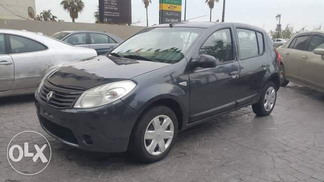 Renault Sandero 2013 full Automatic excellent condition / No Accidents