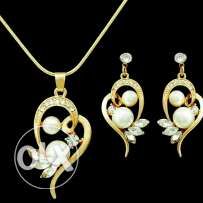 Pendent and earrings