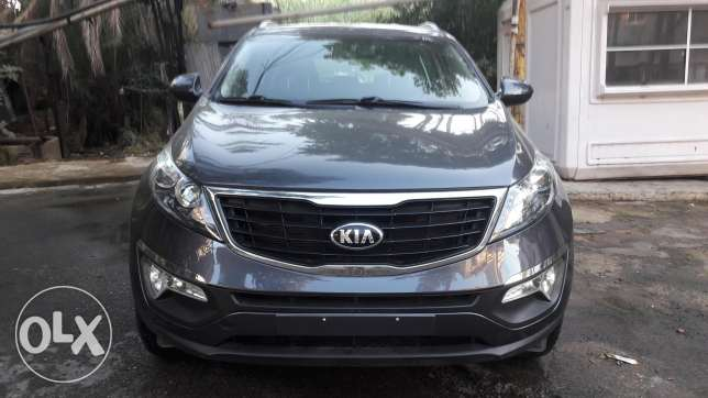 For Sale Hyundai Tucson Limited Model 2012 color Silver 60000 km