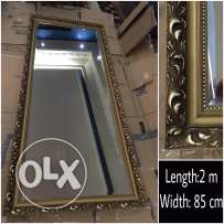 Framed mirror in an excellent condition. If anyone is interested inbox