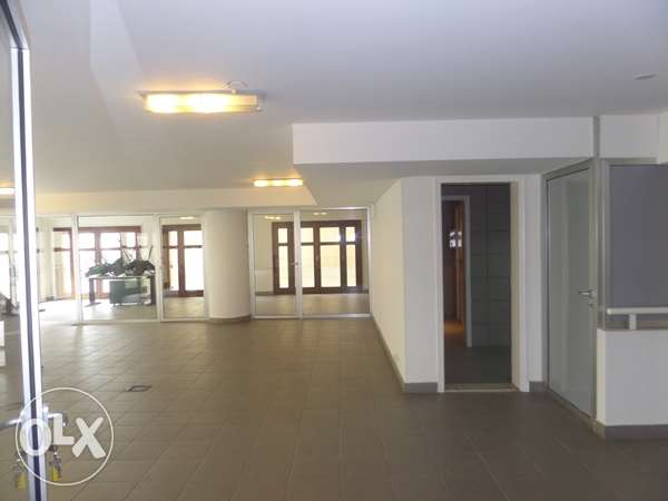 A 200 sqm Office for Rent in Down Town
