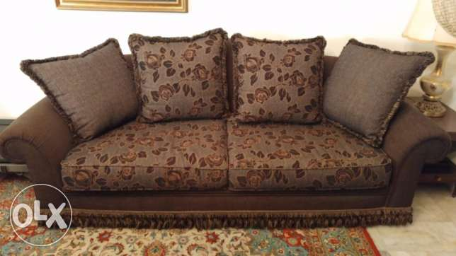 Very good offer for Sofa set in great condition