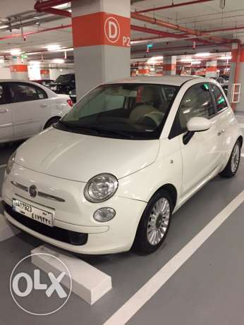 Fiat 500 model 2009 white and red interior
