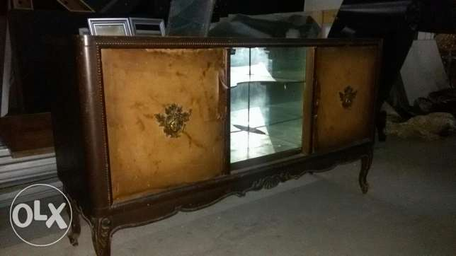 console +dresoire.dining table+8 chairs بقنايا -  5