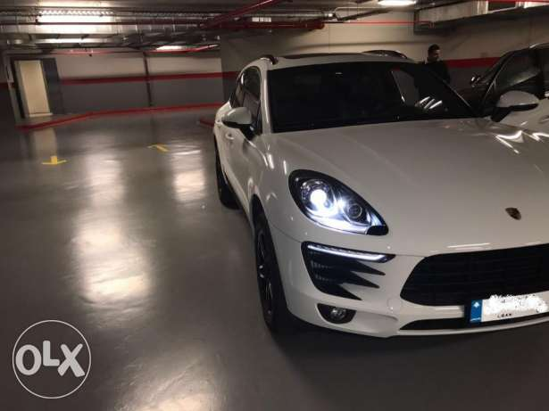 2015 Macan S - Only 2,600km - Mint Condition