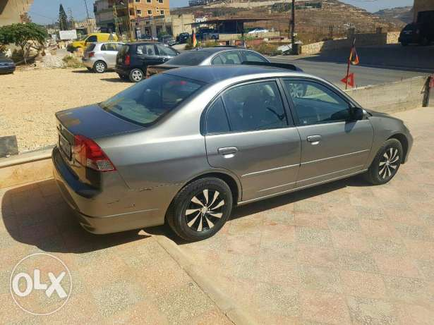 Honda civic 2004 كفر ملكي -  5