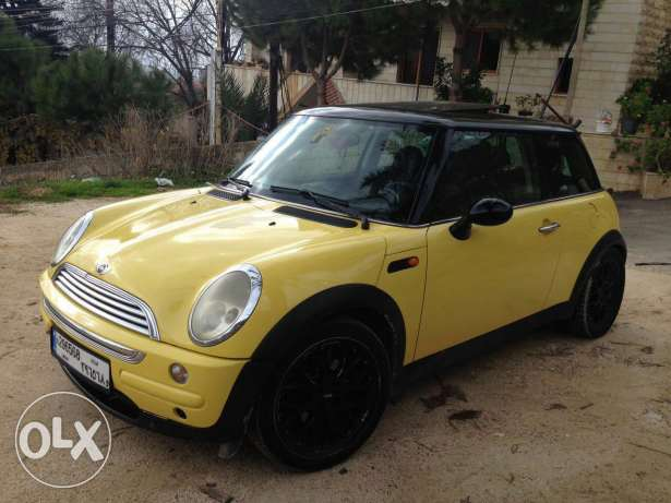 4 cylinder Mini Cooper manual super clean one owner