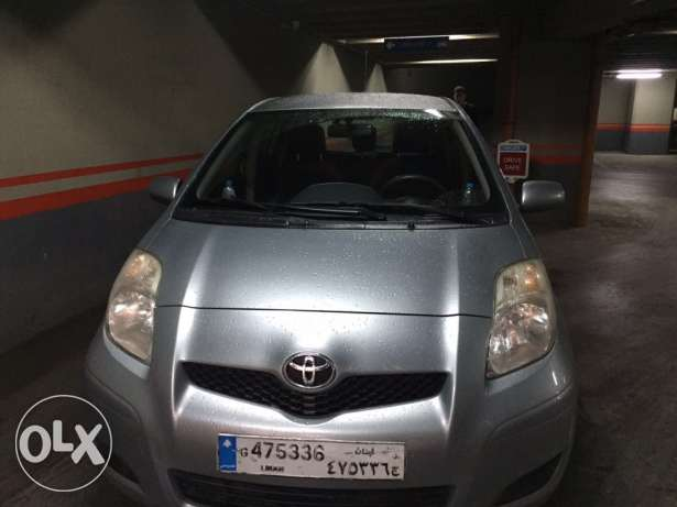 Toyota yaris hatchback 2009, mint condition المتن -  3