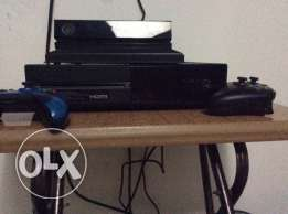 x box one with Kinect and 2 controllers for 320$