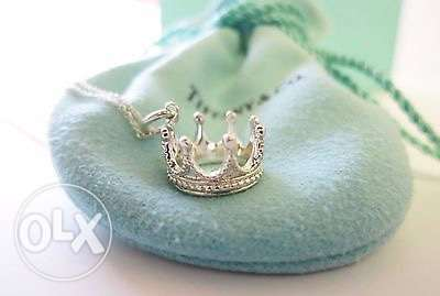 tifanny and co crown necklace