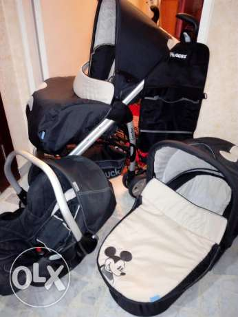 POUSET WITH CARSIT &have port bebe with a bag for ababy