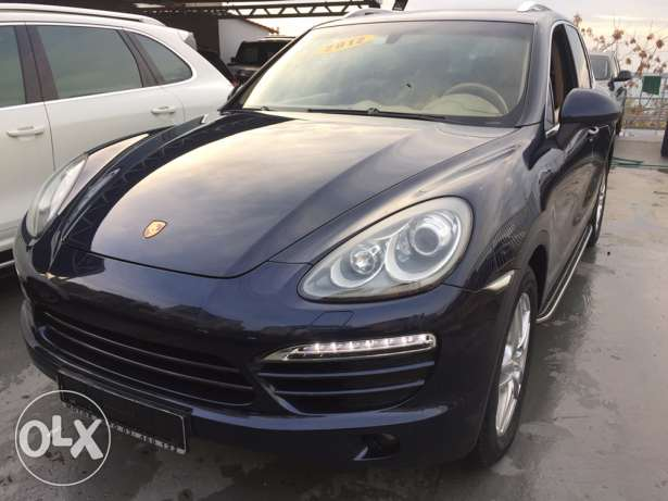 Porsche Cayenne 2012 Full Options 67,000 Km