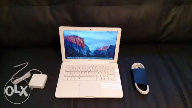 "Apple MacBook White 13"" MC516LL/A 250GB HDD Intel 2.40GHz 4GB LATEST M"