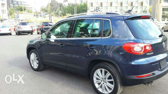 Volkswagen tiguan blue and black leather 2011 أشرفية -  6