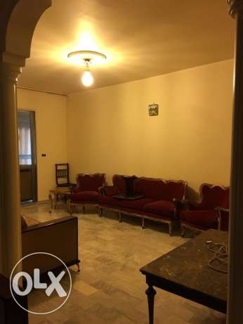 Batrakiyeh: 132m apartment for rent.