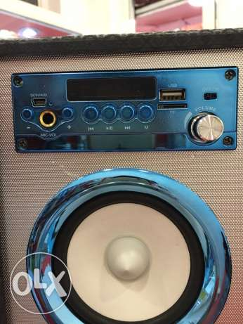 big speaker with remote control ,mic,bluetooth,usb,aux,memories 100$ برج حمود -  2