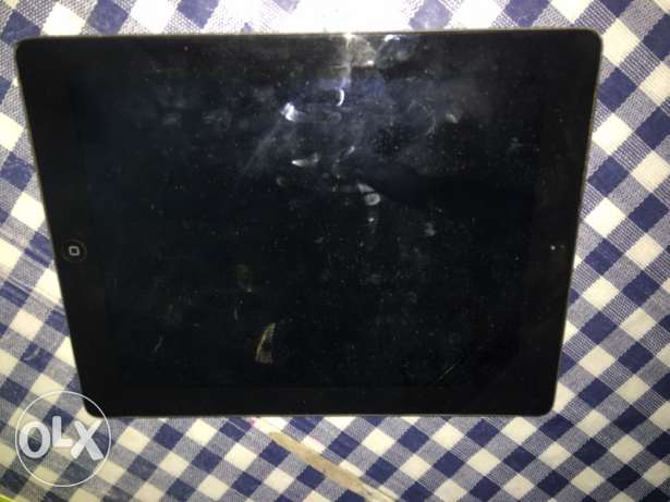ipad 2 16gb black Excellent condition+ clash of clans th9