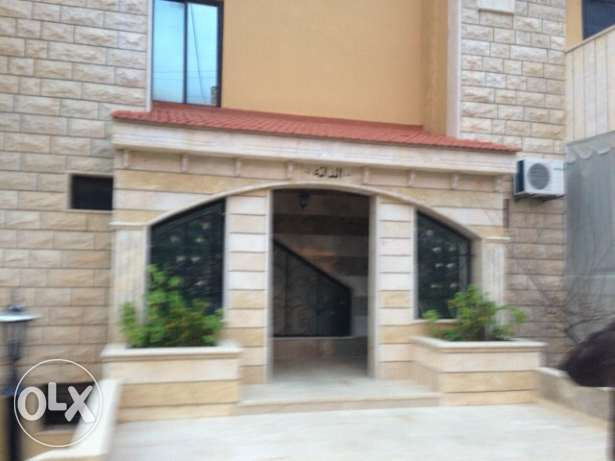 Appartement for sale bchamoun - madares 190 m2 بشامون -  1