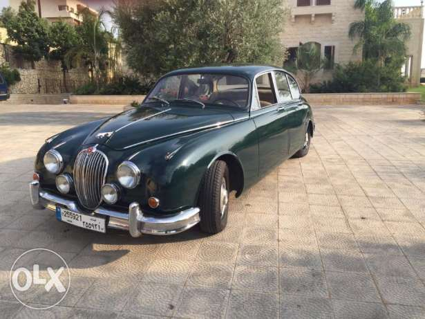 Collector 1967 Jaguar MK-II