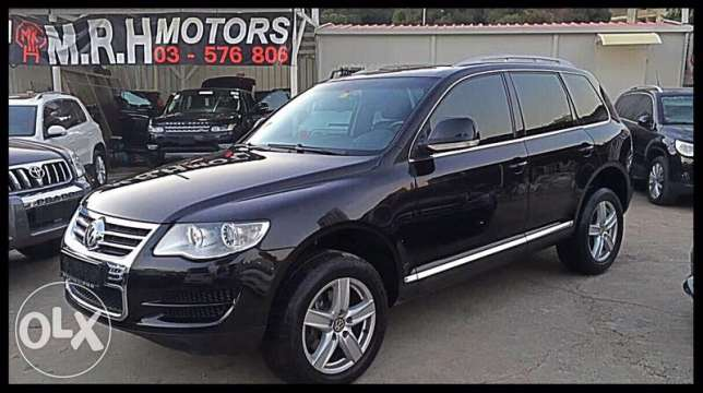 Vw Touareg 2009 Black in Excellent Condition!