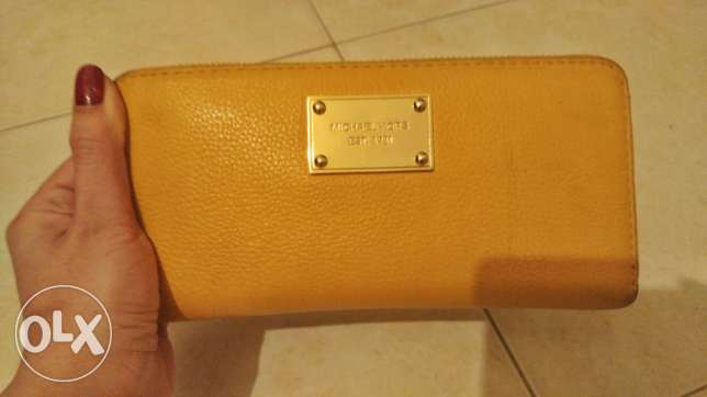 Micheal Kors Authentic Wallet like new