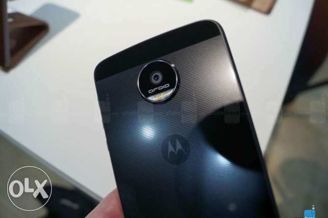 moto z force droed USA
