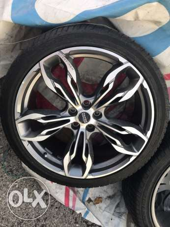 "Range Rover 22"" rims and tires"