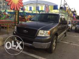 ford f150 8cylinder 4doors clean