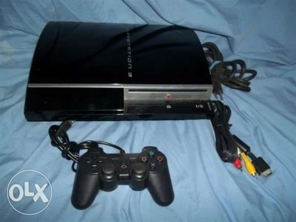 Ps3 55gb like new with 13 games and 2 joysticks