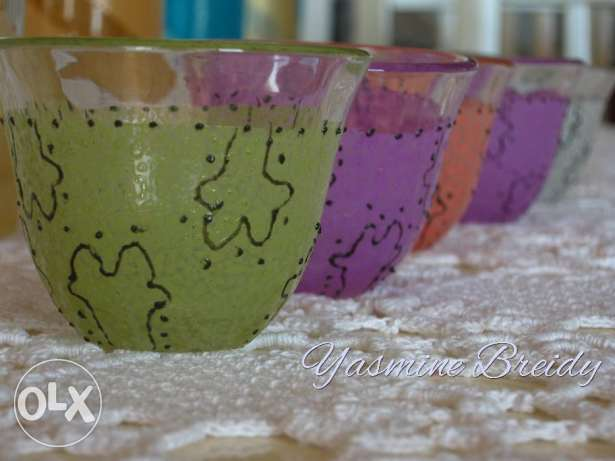 A collection of handcrafted ,handpainted tiny cups 70$ instead of 150$ جديدة -  1