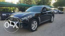 INFINITI FX37  مصدر الشركه  only 22000KM still as show room condition