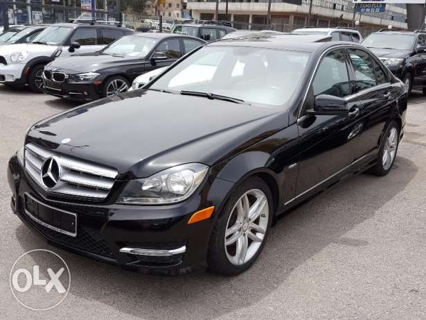 2012 C250 Clean carfax One owner Black/Black