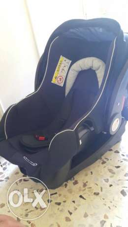 1 baby jumper and car seat new