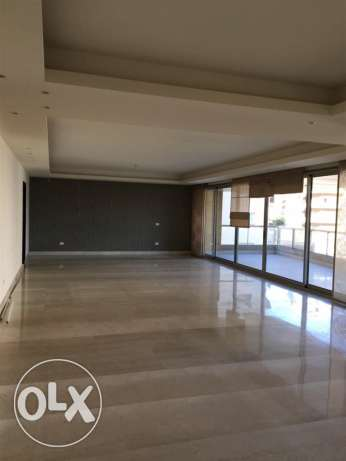 Talet Khayyat: 360m apartment for rent.