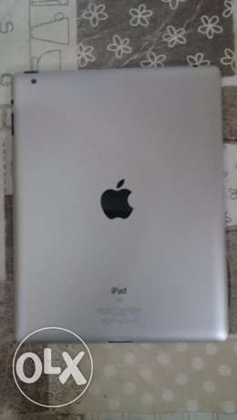 Ipad 2 like new with original charger and back cover