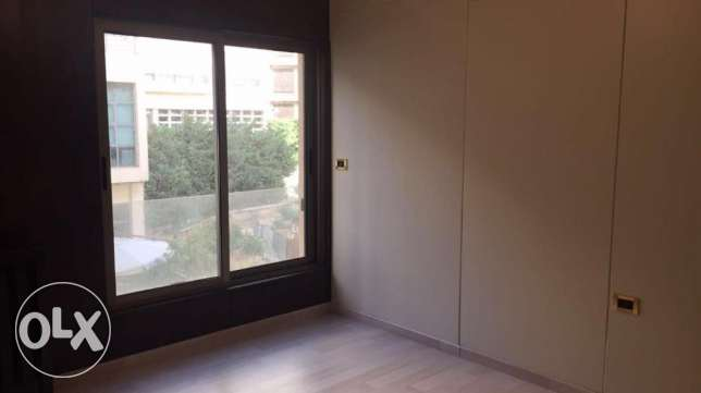 Charming Apartment for rent in Sodeco , 200 sqm #1061 زلقا -  6